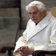 Papa Benedikt potvrdio da su ga smenili gejevi
